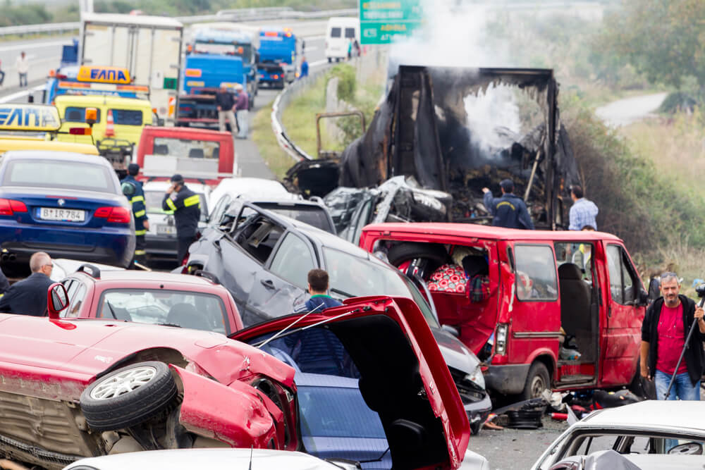 4 people killed trucking accident on the highway image